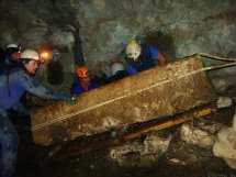 Limpieza de la cueva de las Lendreras